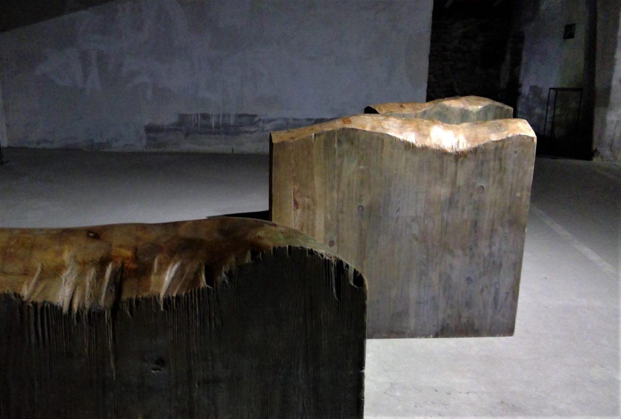 Adriana Majdzińska DOTKNIJ, drewno polichromowane, 2011 r. 100x110x20 cm 3
